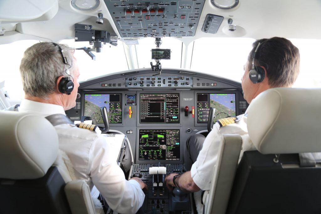 Airbus, ATR et Dassault ont réalisé les premières approches LPV-200 à Roissy-CDG. Crédit : M. Menard-GSA