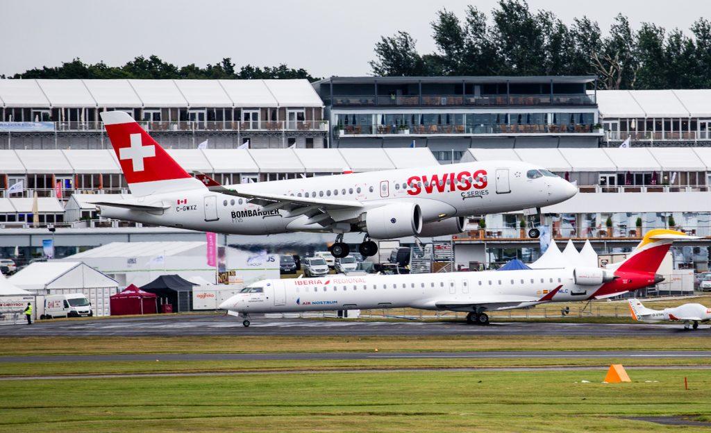 Le CS100 de Swiss arrive à Farnbrough. Crédit : Bombardier.