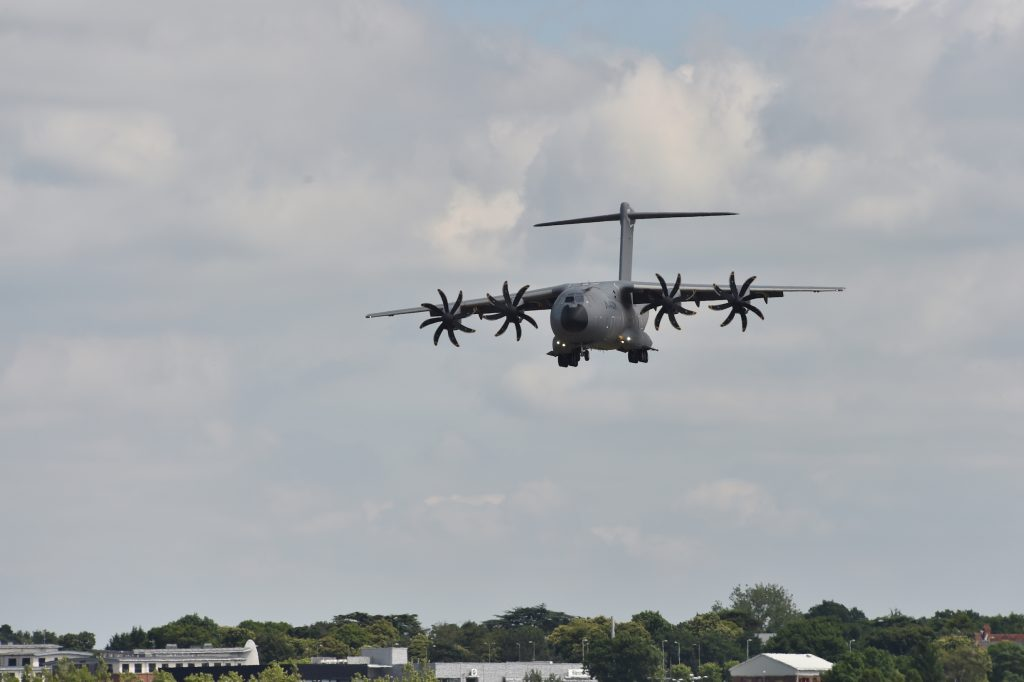 L'A400M avant son atterrissage. Crédit : Farnbrough Air show.