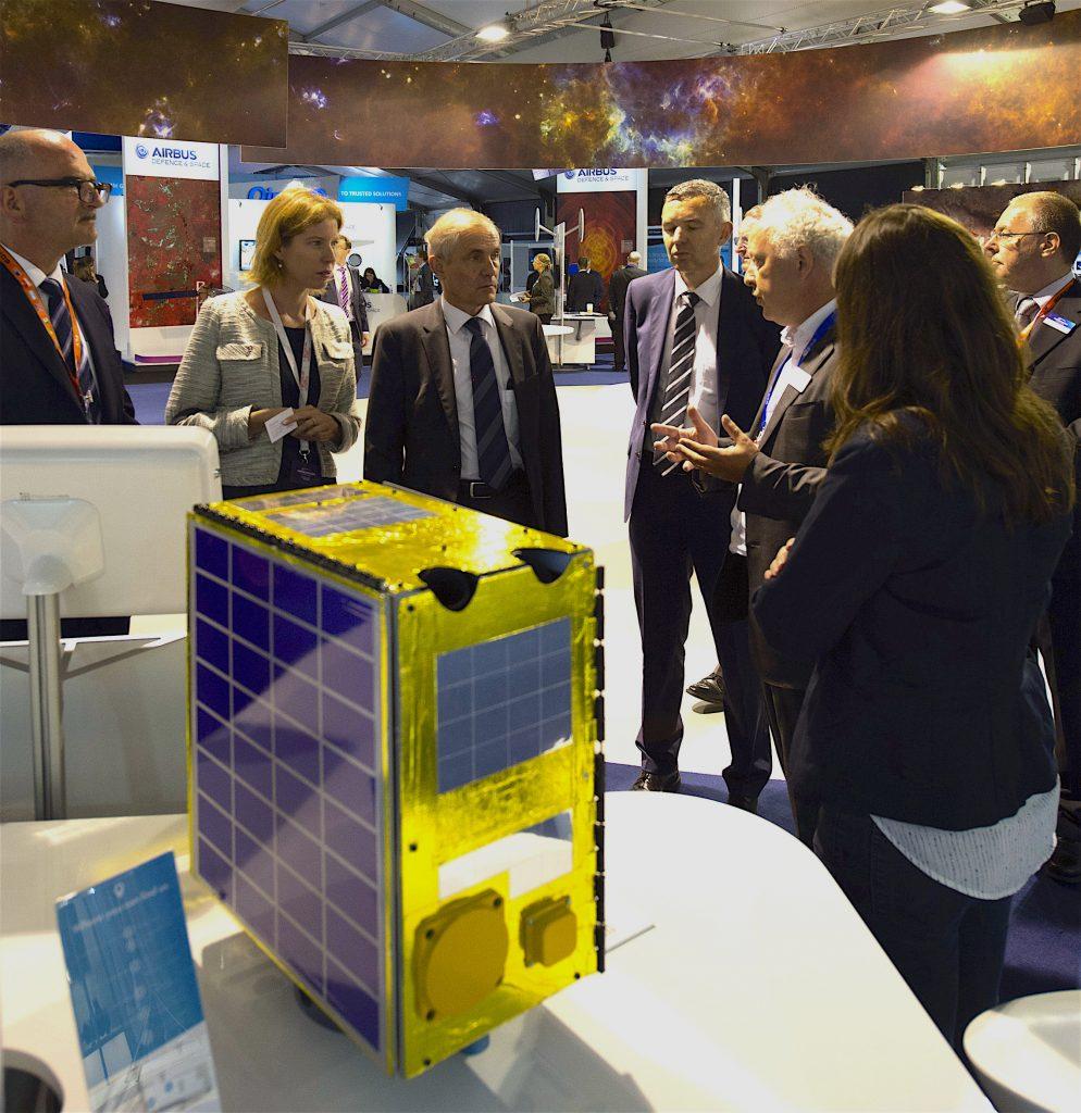Concept Omnisat présenté par TAS-UK à Farnbrough. Crédit : ESA.