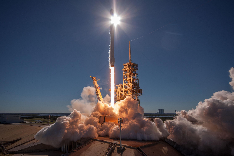 [Vidéo] SpaceX utilise son Falcon 9 pour envoyer un satellite en orbite