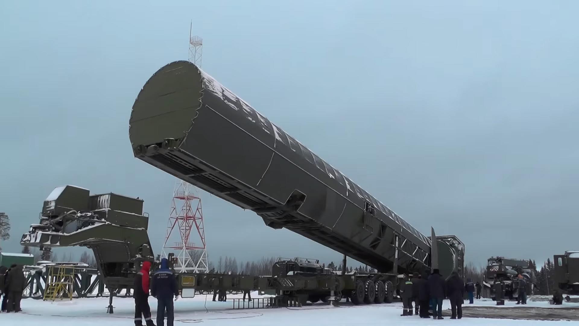 Vladimir Poutine D 233 Gaine Le Missile Sarmat Et Le Syst 232 Me