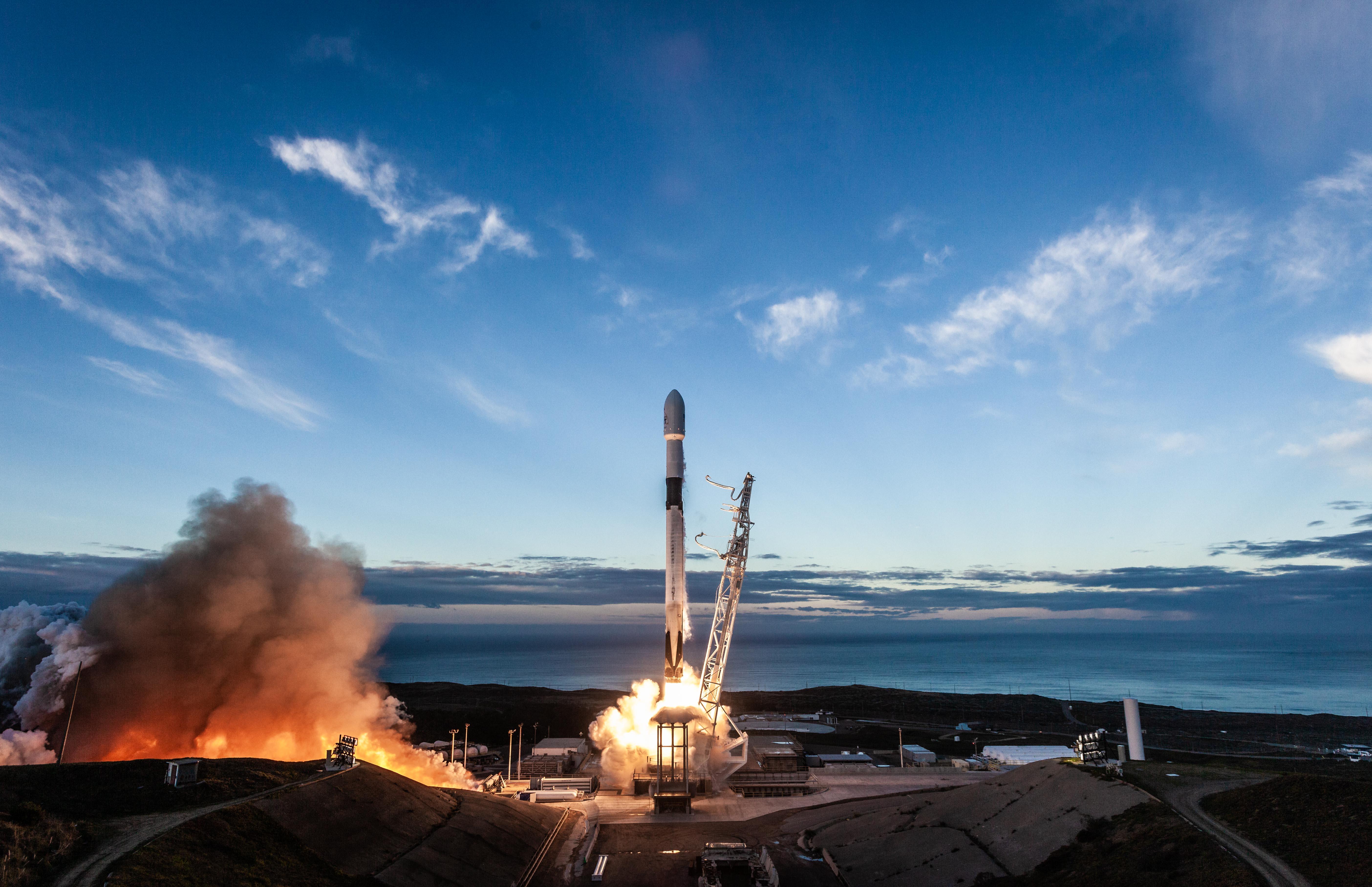 La société aérospatiale d'Elon Musk licencie 10% de ses 6.000 employés — SpaceX