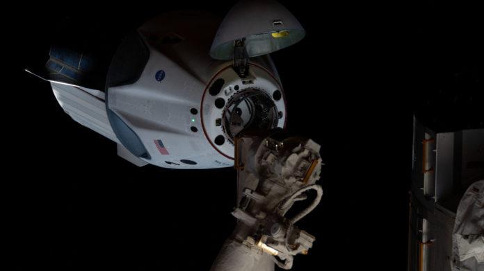 Endeavour Crew Dragon Retour vols habités