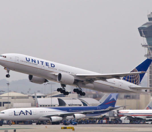 777 United Airlines