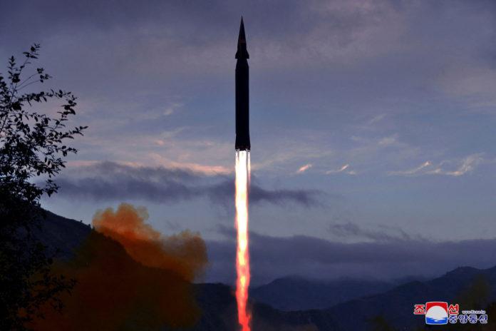 Hwassong 8 hypersonique